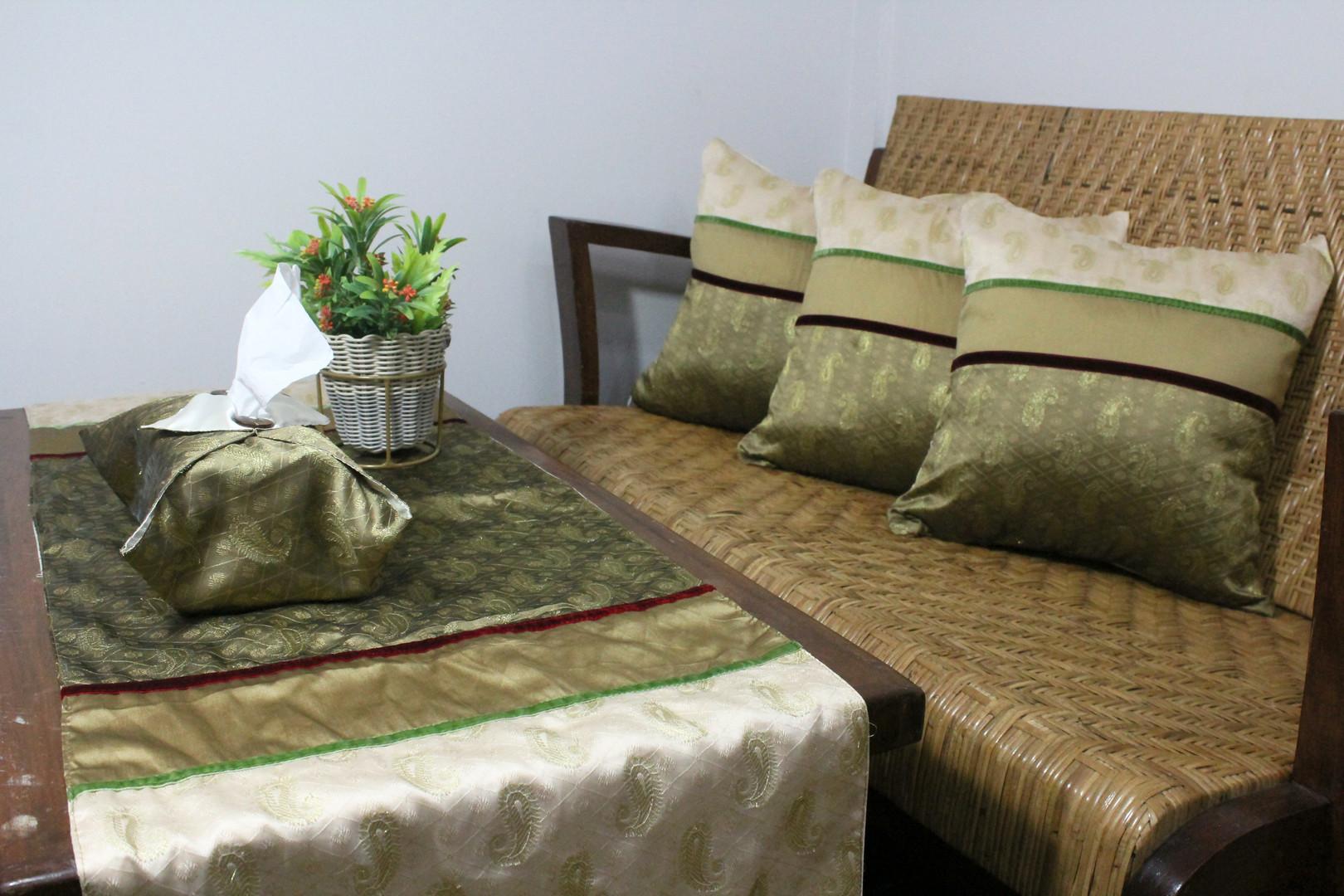 cushion keong2.jpg
