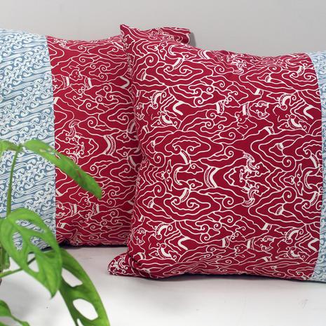 cushion batik abu merah.jpg