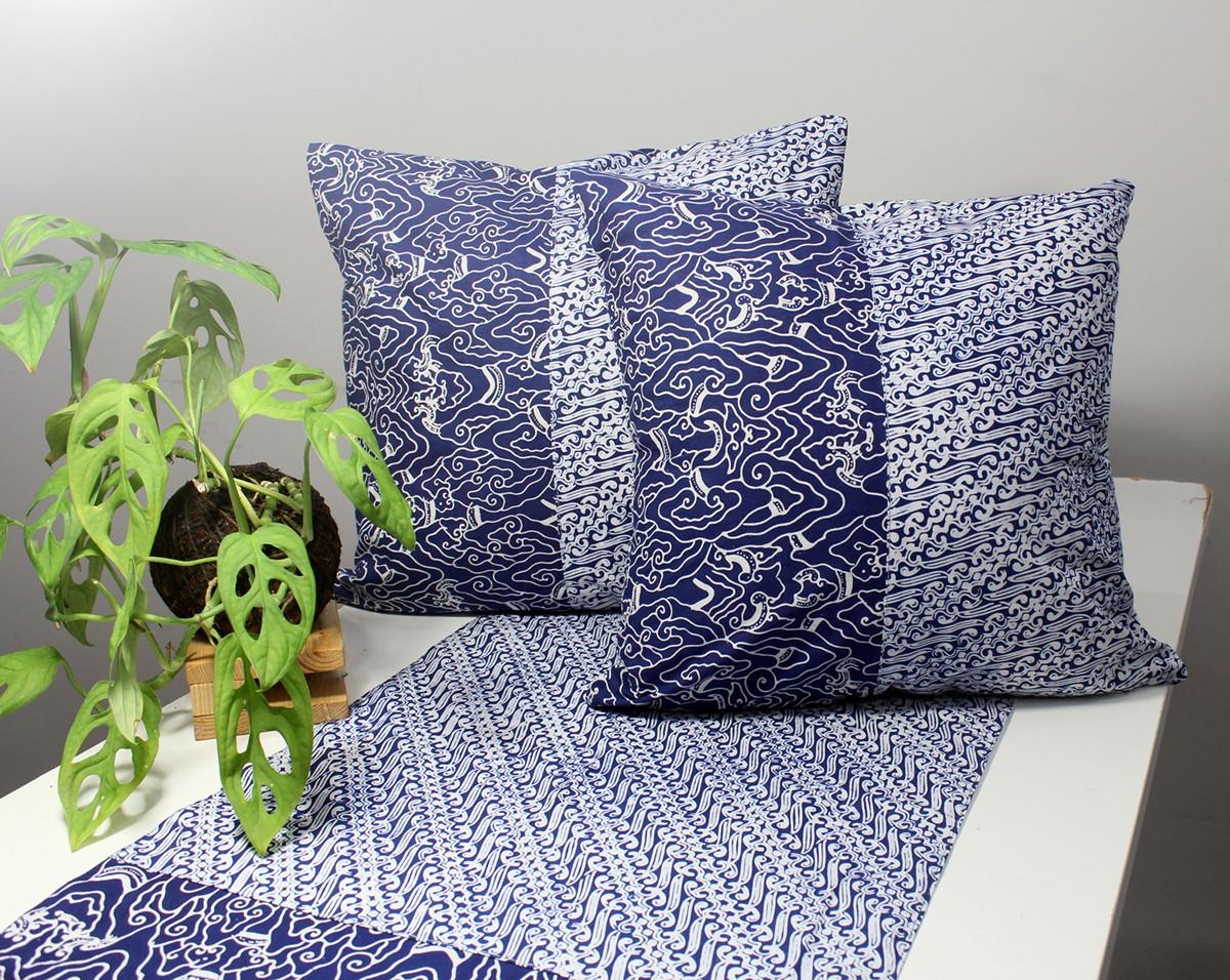 cushion batik biru.jpg
