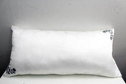 sarung bantal cinta tencel putih bordir