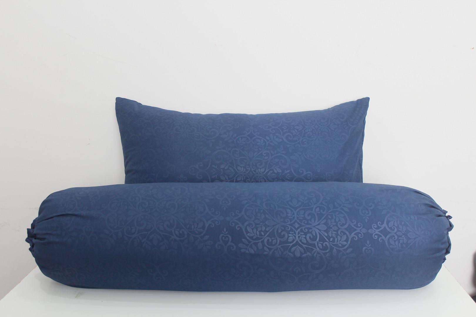 sarung bantal guling microtex biru