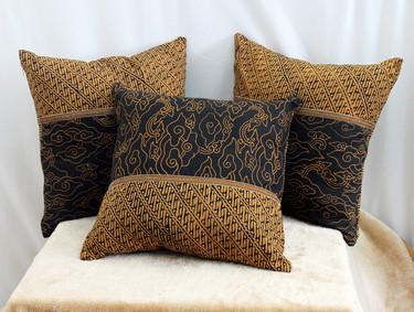 cushion batik parang megamendung02.jpg