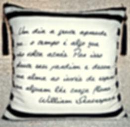 Almofadas Decorativas KG