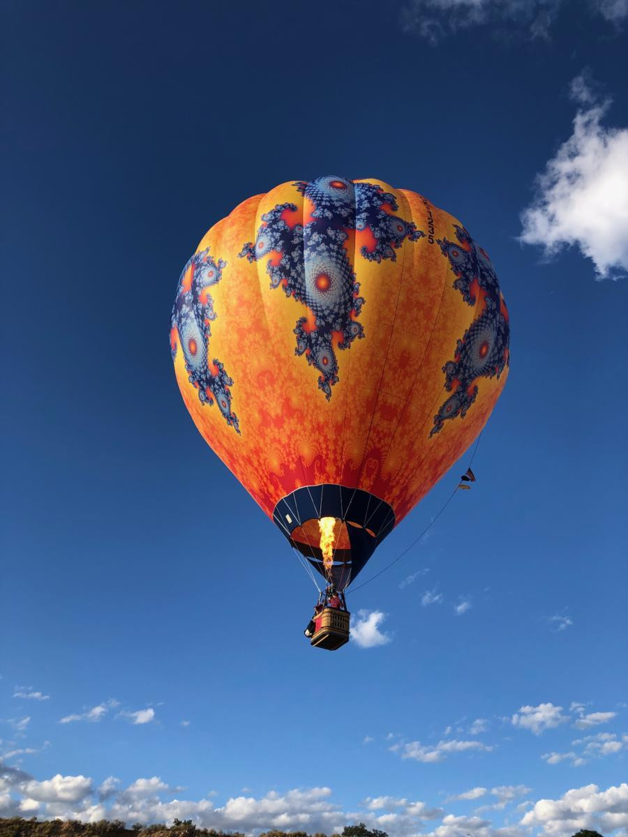 A hot air balloon with a fractal pattern