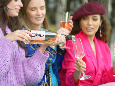 A glass of bubbly with the girls? Yes please!