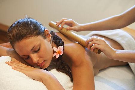 Professional massage therapist in Glasgow
