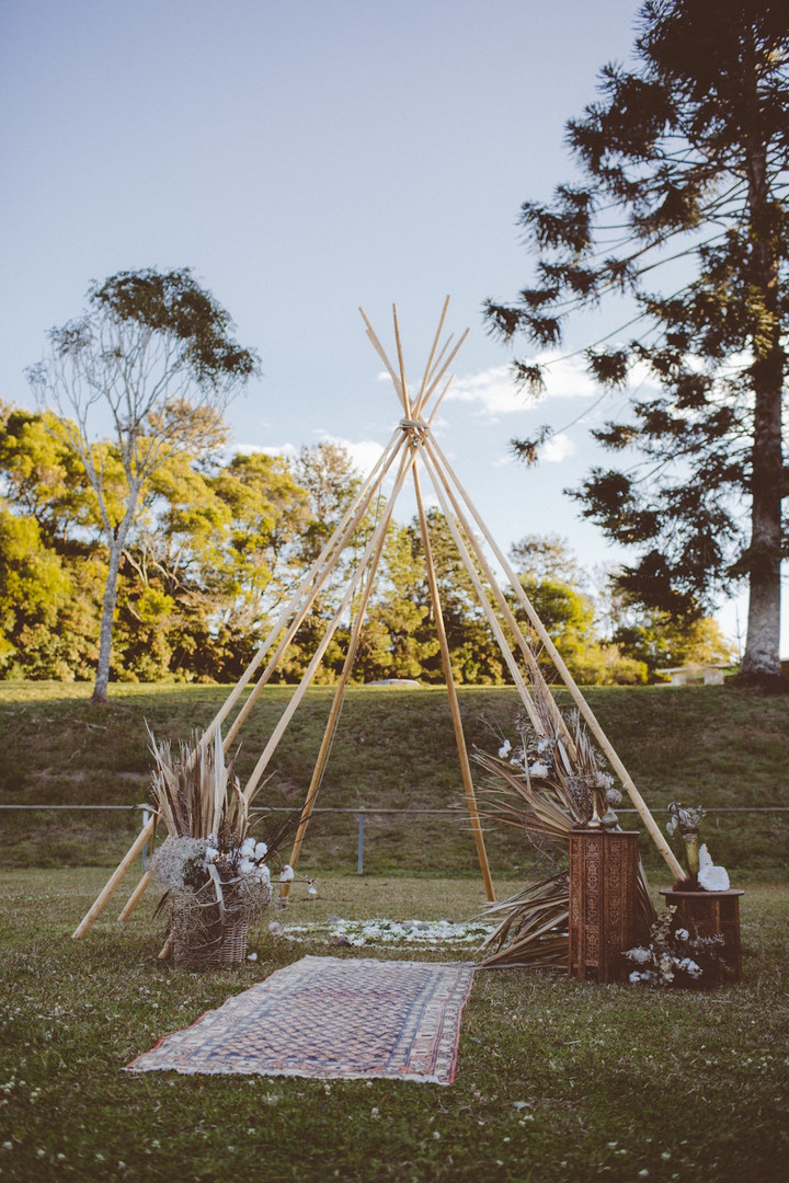 Medium Naked Tipi Arbour