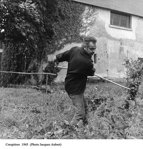 A_Crespières_9_(1965_Ph_Jacques_Aubert)