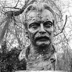 Statue_André_Greck.jpg