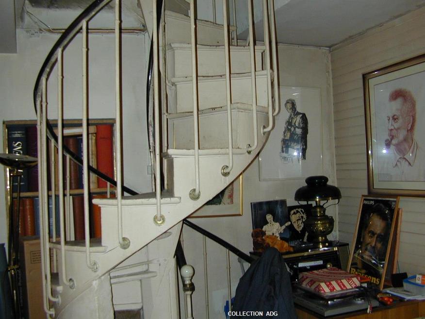67__l'escalier_d'accès_à_la_chambre_de_B