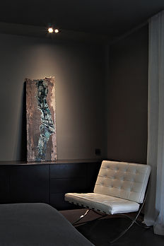 """Fine Art Gallery Aix en Provence - Wood - 49 x 142 cm - """"Déséquilibre"""" in situ"""