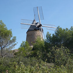 Moulin%20de%20St-Chinian_edited.jpg