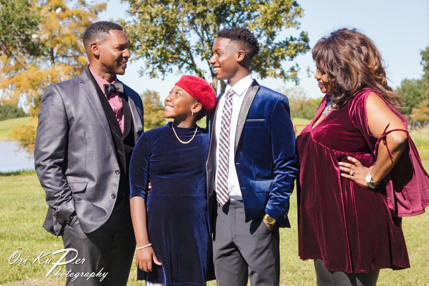 family photos Houston photographer Ori Kuper 003 IMG_5980_www.HOUVideographers.com_