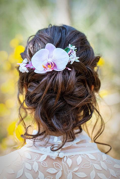 Barrette de cheveux fleurie pour sublimer votre coiffure