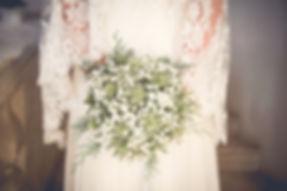 Un joli bouquet de gypsophille et chardon pour un mariage en hiver