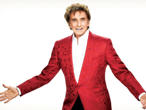 "REVIEW: ""Barry Manilow"" — The Hollywood Bowl, with the LA Philharmonic Orchestra"