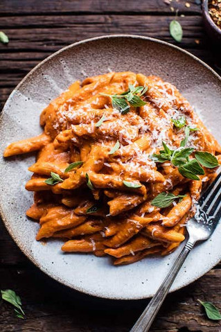 Crockpot Sun-Dried Tomato Penne alla Vodka