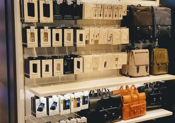 iStore at San Francisco International Airport