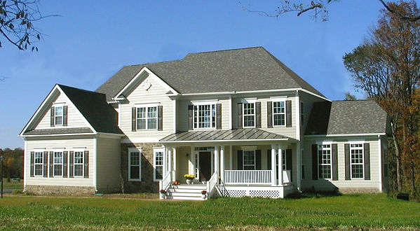 hip and gable roof photo.jpg