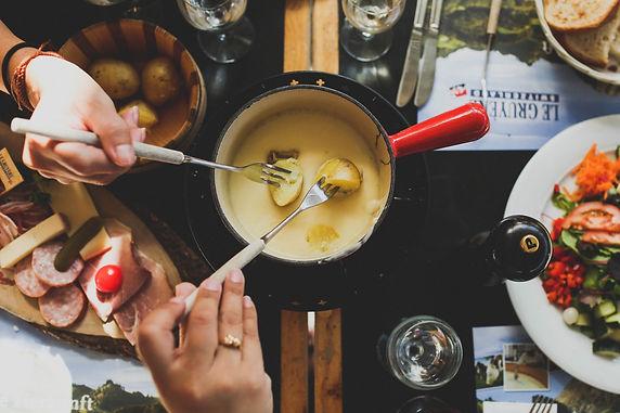 Rigi-Käse-Fondue-Raclette.jpg