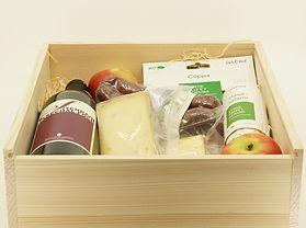 Rotwein-Käse-Fleisch-Geschenk-Box.jpg