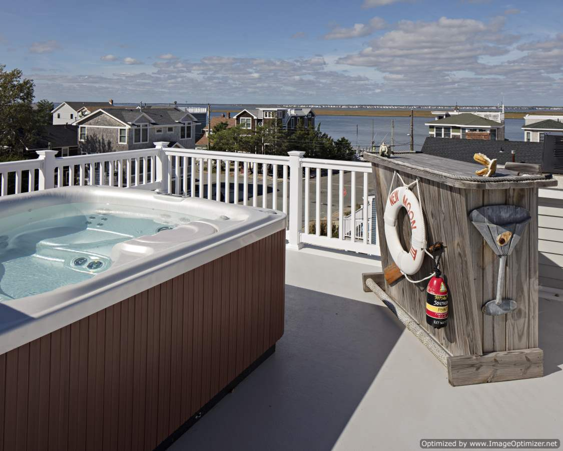 hot tub on roof deck lbi