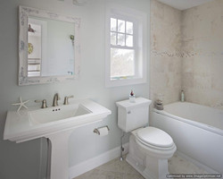 beach home bathroom