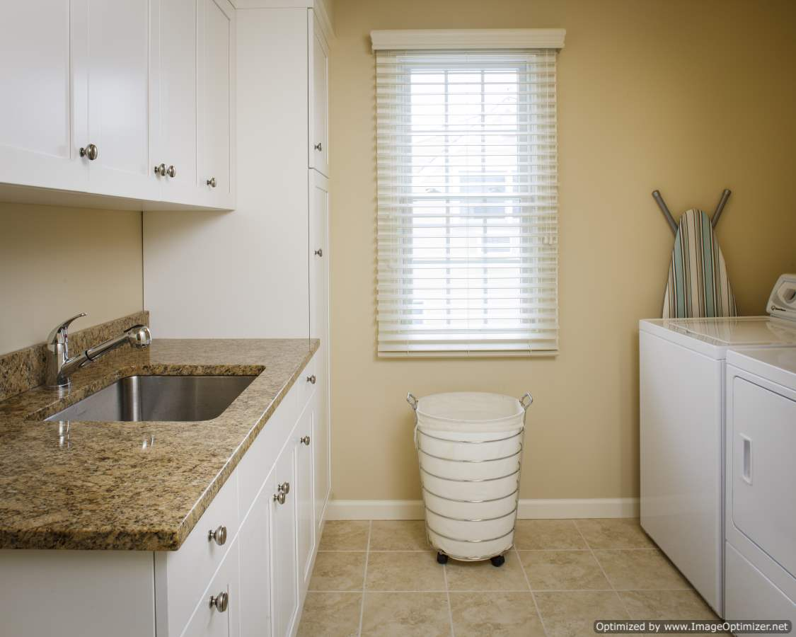 beach home laundry room