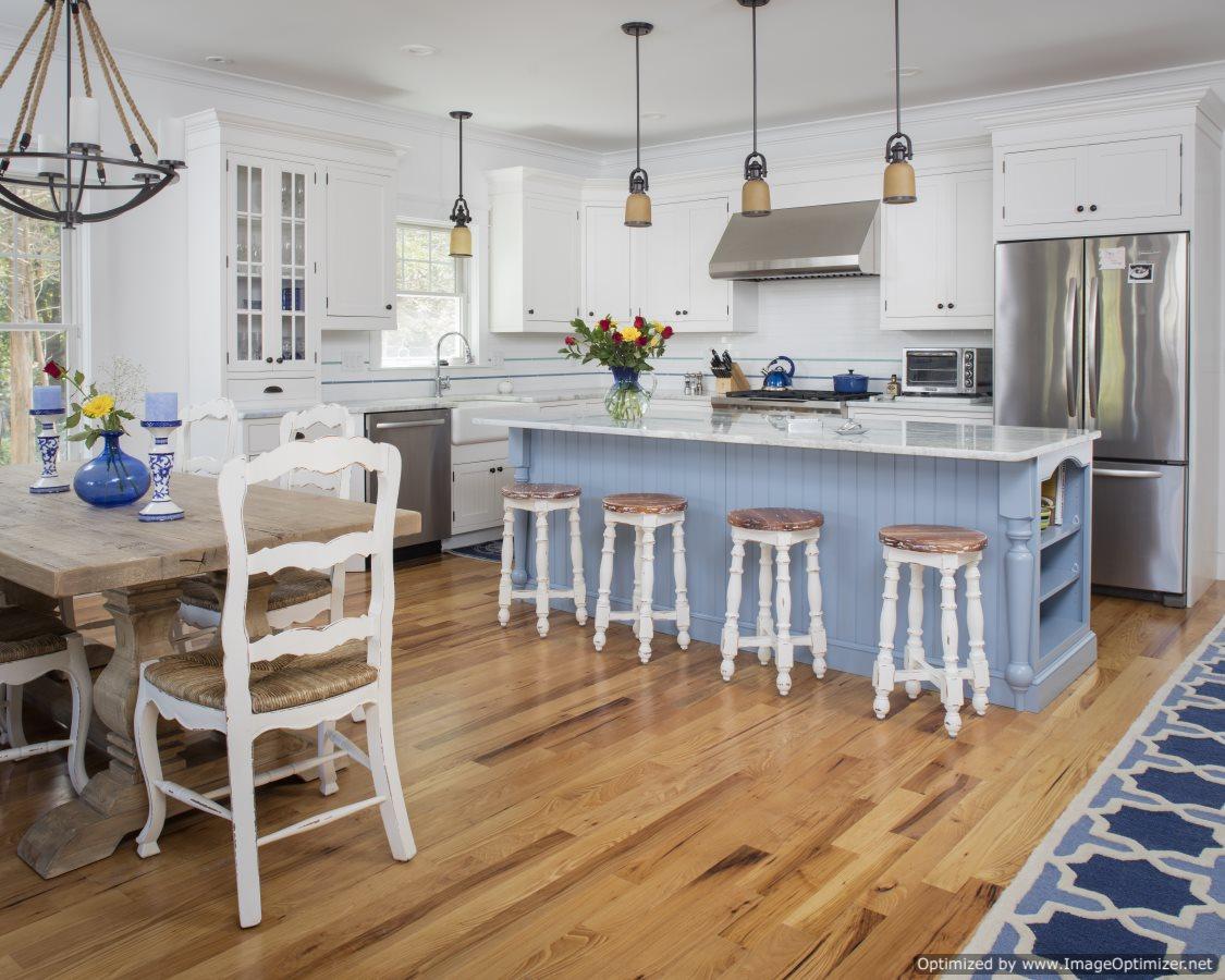 beach home kitchen