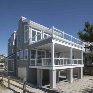 1609 Beach Ave 20.jpg