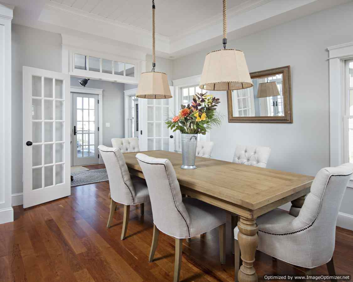 beach house dining room