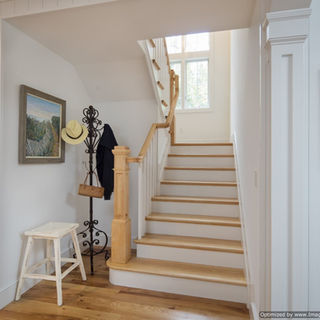 Stairs going up.jpg
