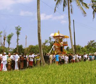 Hindouhisme et crémation à Bali - Rite funéraire
