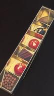 Caixa dourada com 6 bombons sortidos