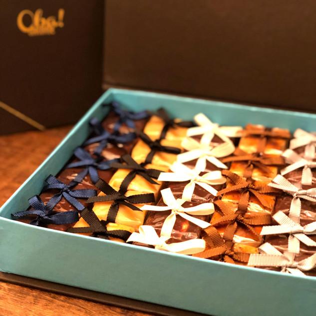 Caixas com variedades de nossos sabores de palhas italianas