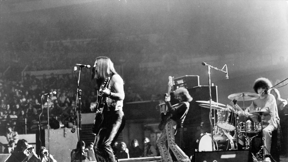Grand Funk Railroad playing live 1971