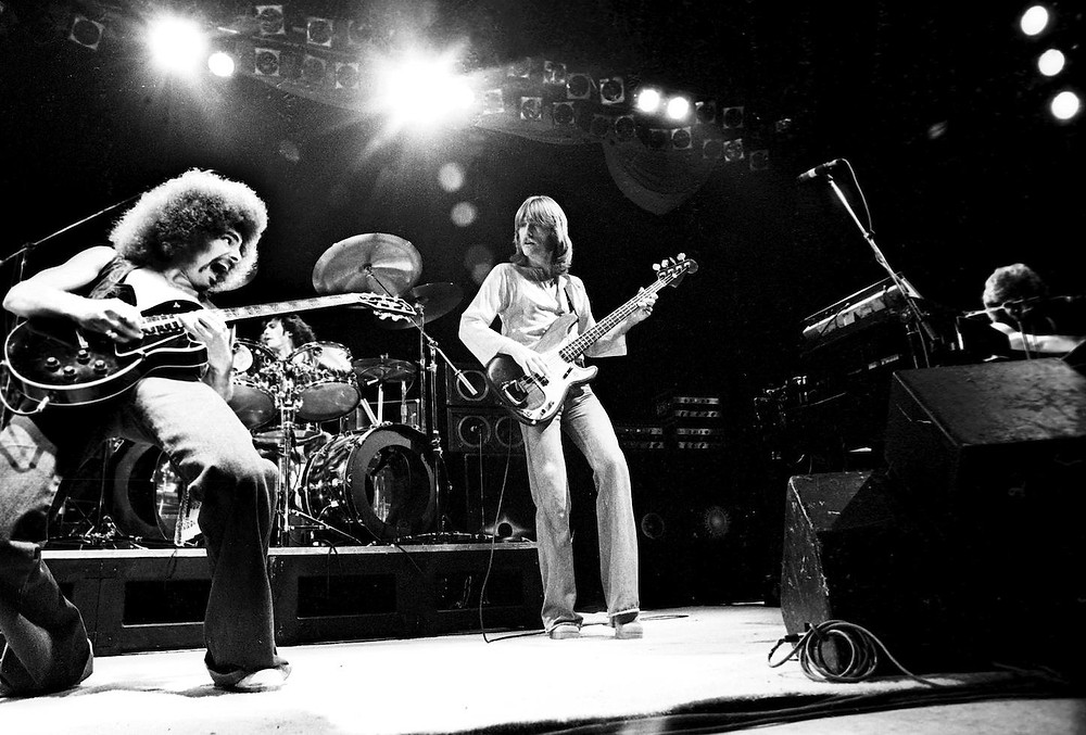 Journey (rock band) playing live 1977