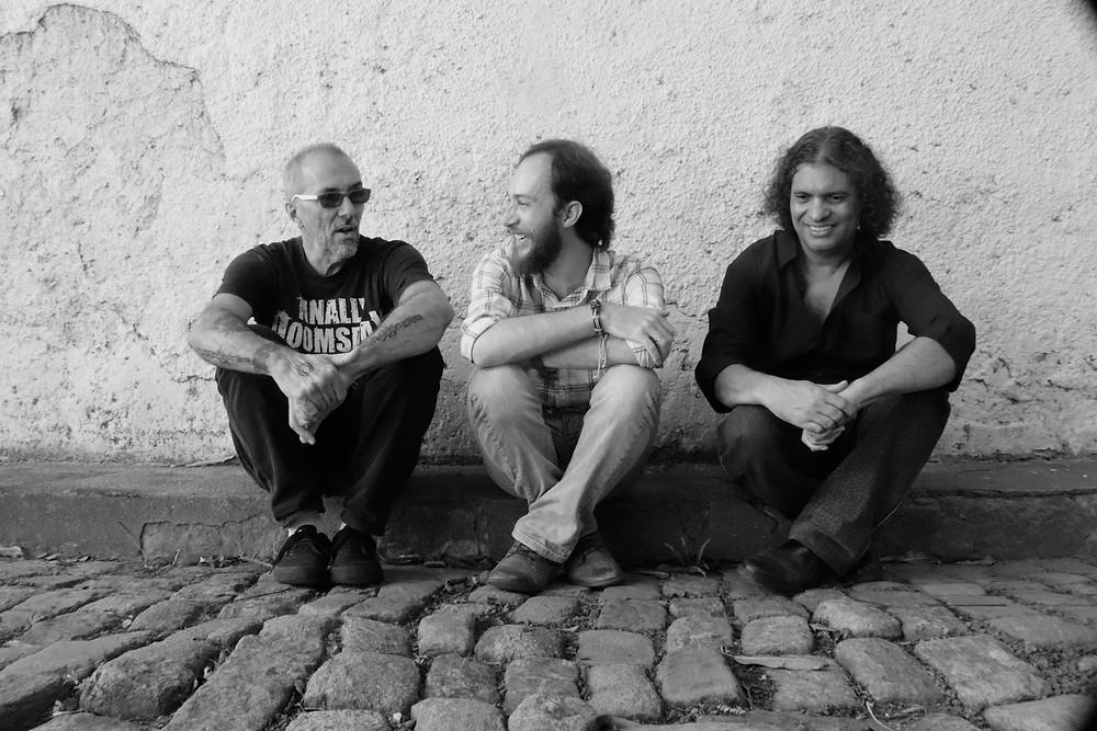 Caravela-Escarlate-Ronaldo-Rodrigues-prog-rock-band
