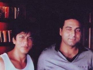 Dr Jatin Chaudhary with Shahrukh Khan