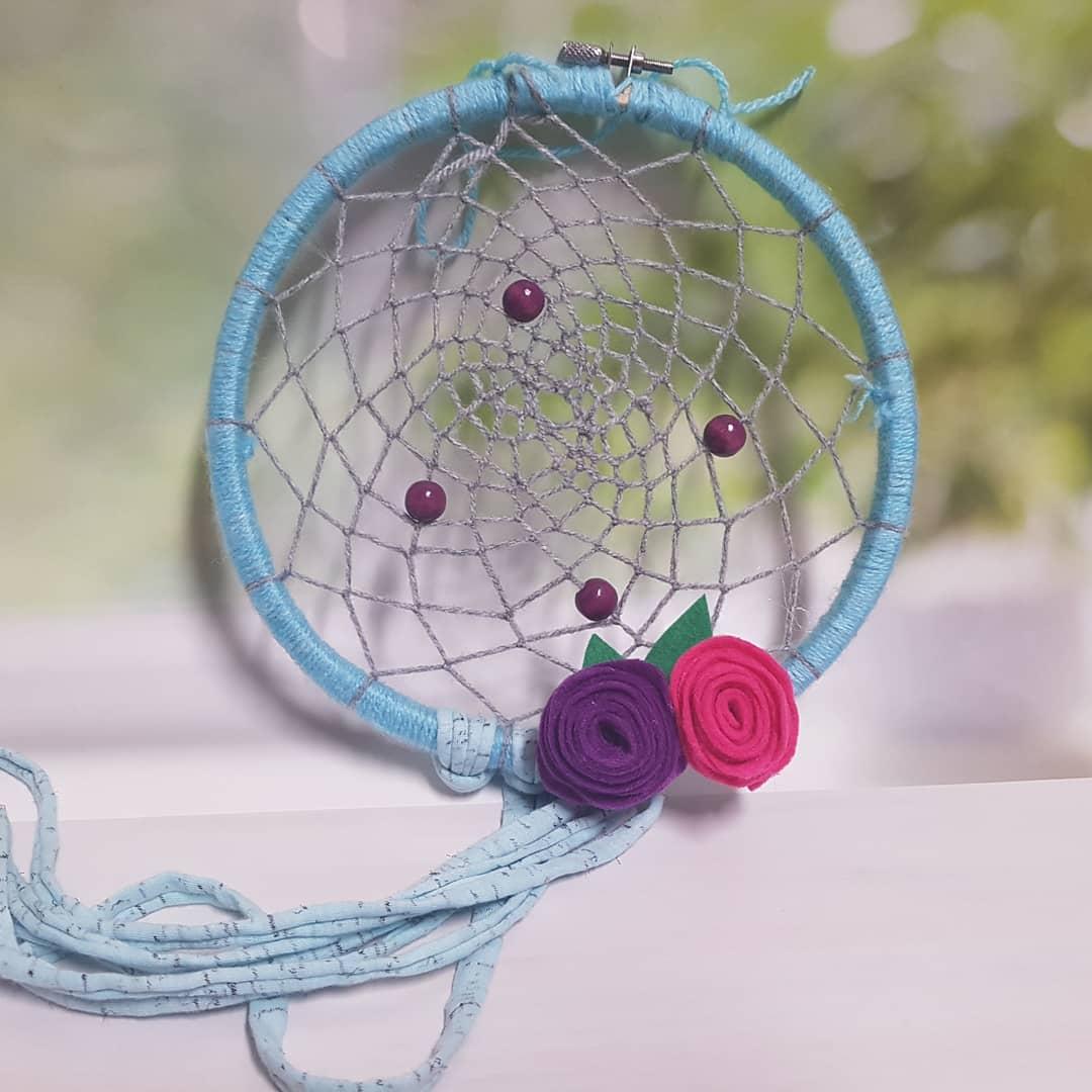 לוכד חלומות פרחים תכלת