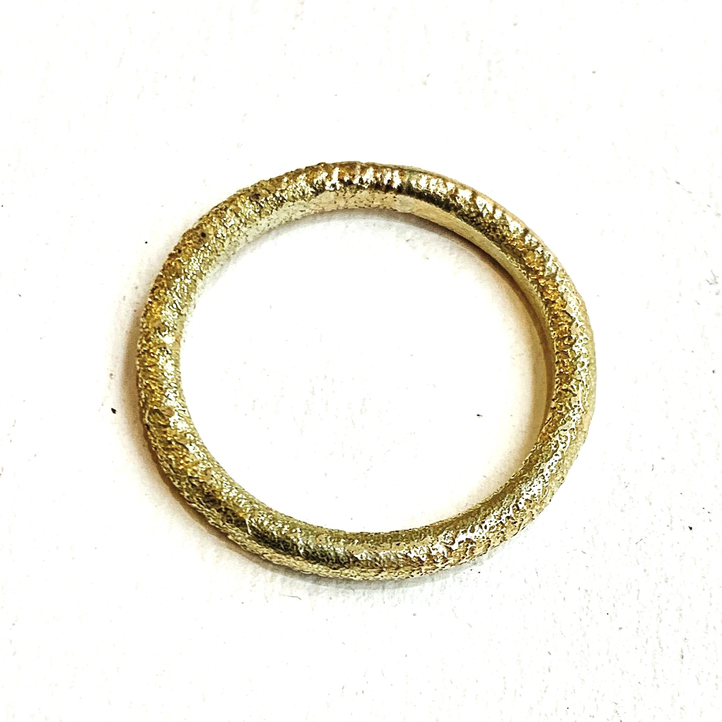 high tecture 9ct recycled gold band