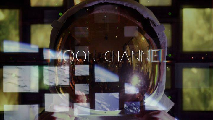 #MediaPollution 📺 presents ⤵️ the sounds of @moonchannelmusic 🌕 featuring visuals by @n_o_b_turner 📹 . 2019 #Spring #BreweryArtwalk 🔮 #Digital meets #Analog  #StainedGlass #PiWall #TVWall #VideoInstallation 📼