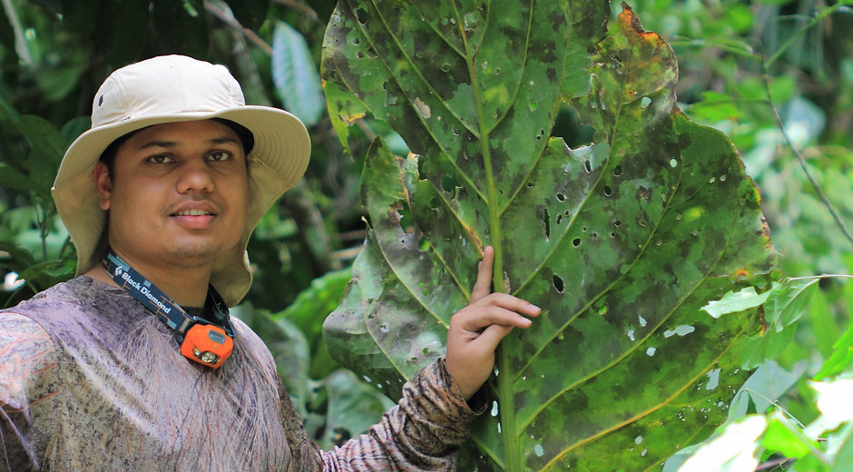Sumer Tiwari and big leaf