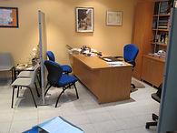 Imagen despacho con sillas