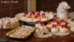 dessert table arrangement for weddings