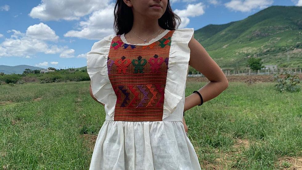 Blusa con pechera hecha en telar de cintura