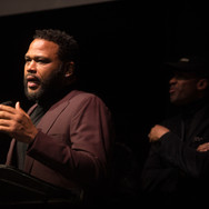 Anthony Anderson Presenting at the 9th Annual GMS Awards