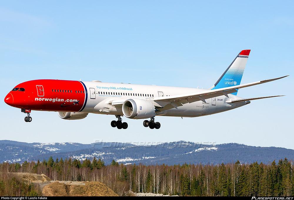 Landing B787 Norwegian // Planspotters.net