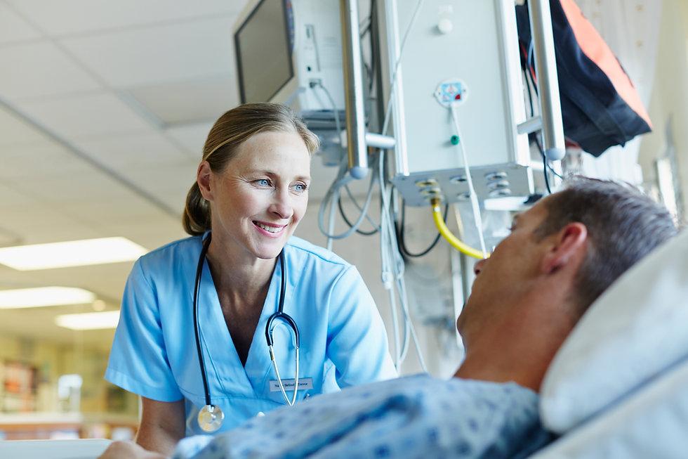 Verpleegkundige en patiënt