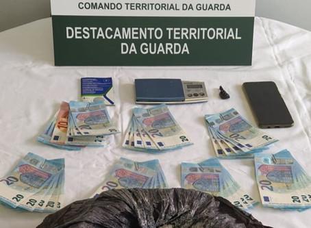 Homem detido por tráfico de estupefacientes no concelho de Celorico da Beira | Beira Alta TV